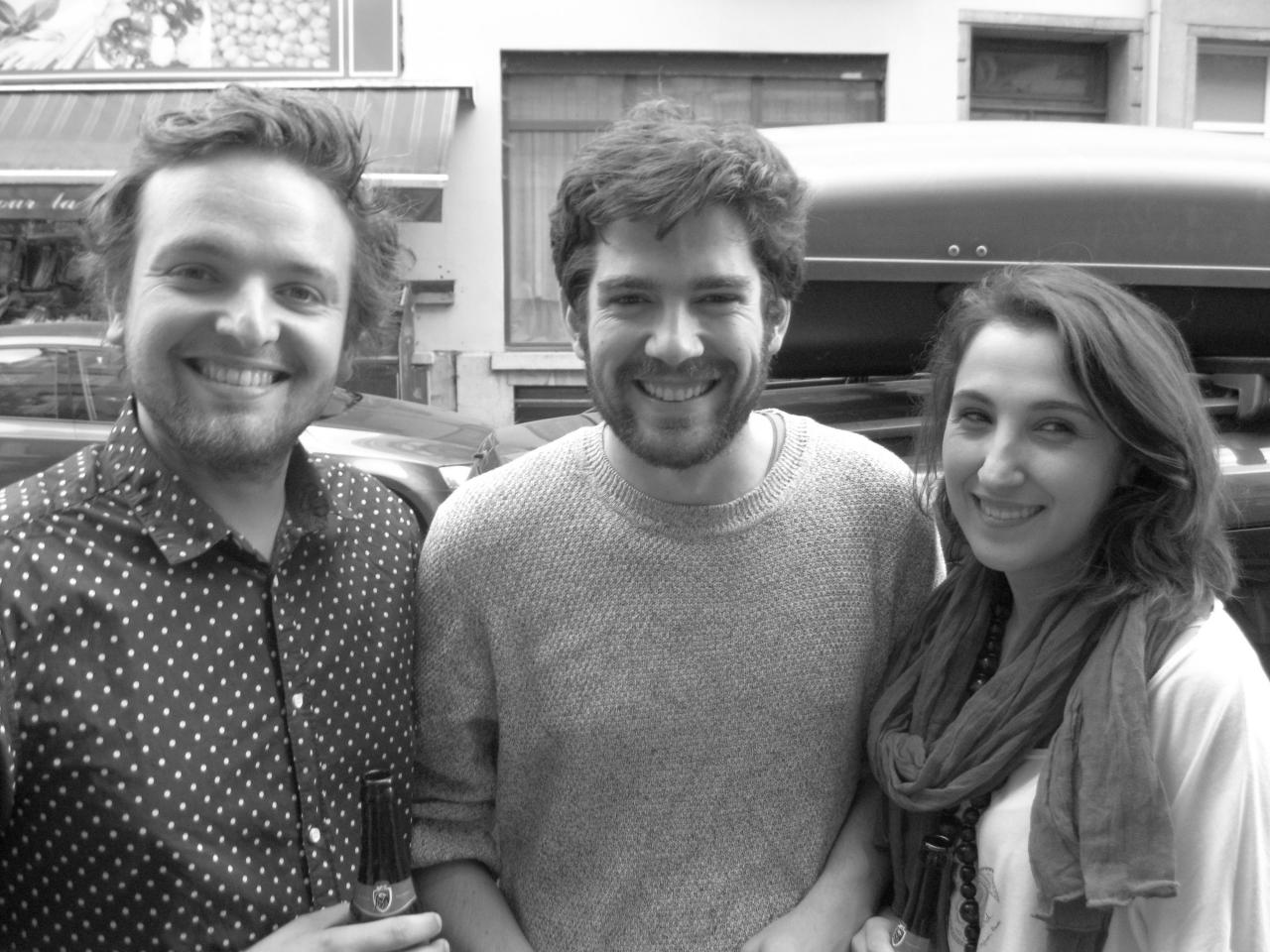 Tristan, Adrián en Marta hopen op verandering in Spanje, een einde aan de sociale afbraak (Lode Vanoost)