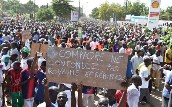 Compaoré, verwar koninkrijk niet met republiek'