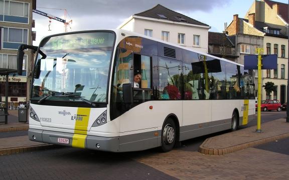 Duurdere bus treft gezinnen met jonge kinderen