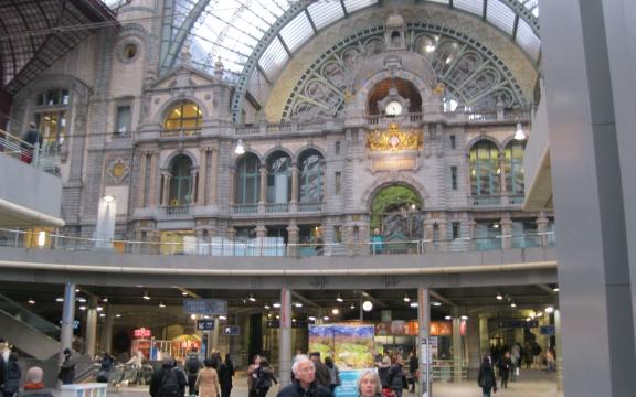 Antwerpen-Centraal, het mooiste treinstation van België