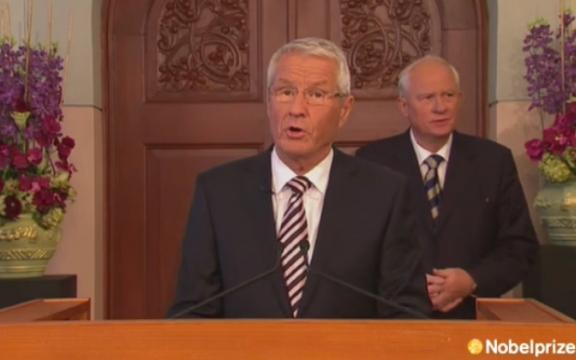 De voorzitter van het Noorse Nobelcomité licht de beslissing toe tot toekenning van de Nobelprijs voor de Vrede 2012 aan de Europese Unie