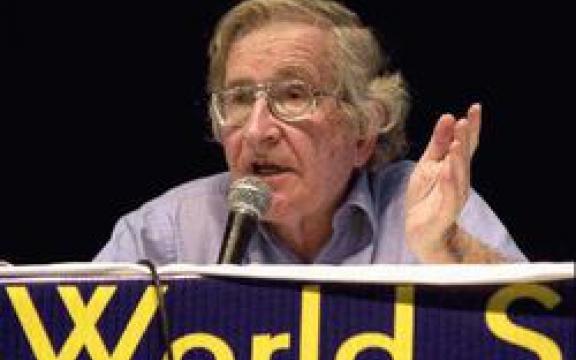 Noam Chomsky op het Wereld Sociaal Forum van 2003