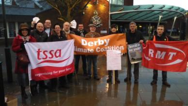 Vakbond, milieuactivisten en treingebruikers samen voor de openbare trein