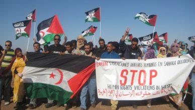 Betoging in het vrije gedeelte van de Westelijke Sahara. In het bezette gedeelte en in Marokko zelf staat op deelname aan dergelijke betogingen jarenlange gevangenisstraf