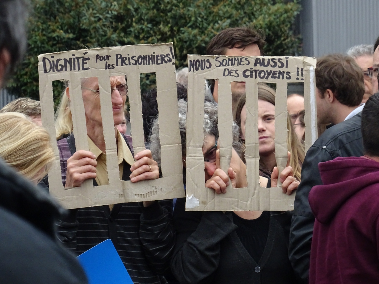 'Waardigheid voor gevangenen', 'Wij zijn ook burgers'