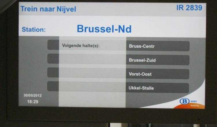 Informatie over de volgende haltes aan boord van de Desiro-stoptreinen