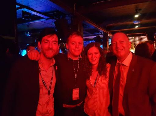 Owen Jones met twee leden van de Jewish Labour Movement