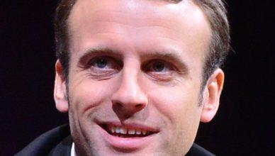 Emmanuel Macron,Volgens het Amerikaans tijdschrift People With Money was Macron, de bestverdienende politicus in de wereld in 2015 en 2016