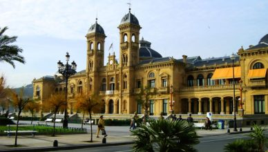 Het stadhuis van San Sebastian/Donostia