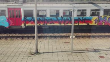 Monde Violent - Infrabel/NMBS = geen geld voor treinen en stations