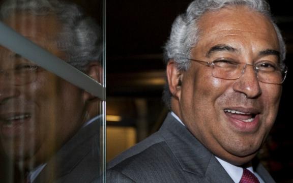 Antonio Costa, voorzitter van de Portugese PS, wil een regering vormen op basis van een parlementaire meerderheid. Niet democratisch?